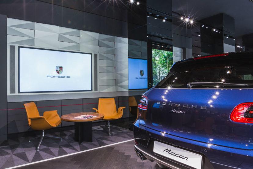 """Personalizzazione del lusso: aperto a Milano il nuovo """"Porsche Studio"""""""